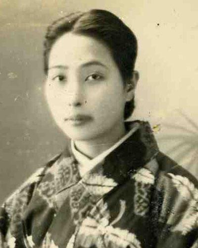 Vintage Japanese Photo Young Woman Kimono Obi Portrait Antique Japan Nippon Nihon Taisho Taishou TokaidoSoftypapa